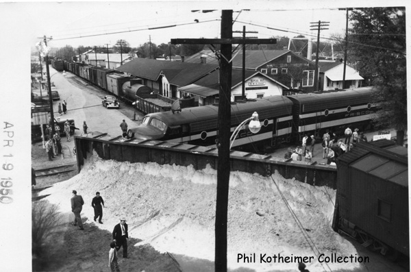 Wreck In Downtown New Albany April 19, 1950.